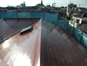 屋根塗装ではなくカバー工法にすることで、屋根の耐久性も大幅にアップです。金額もお値打ちです。
